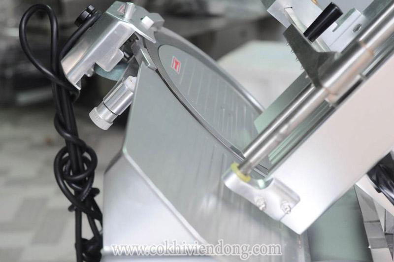 Máy thái thịt tự động SL- 300B