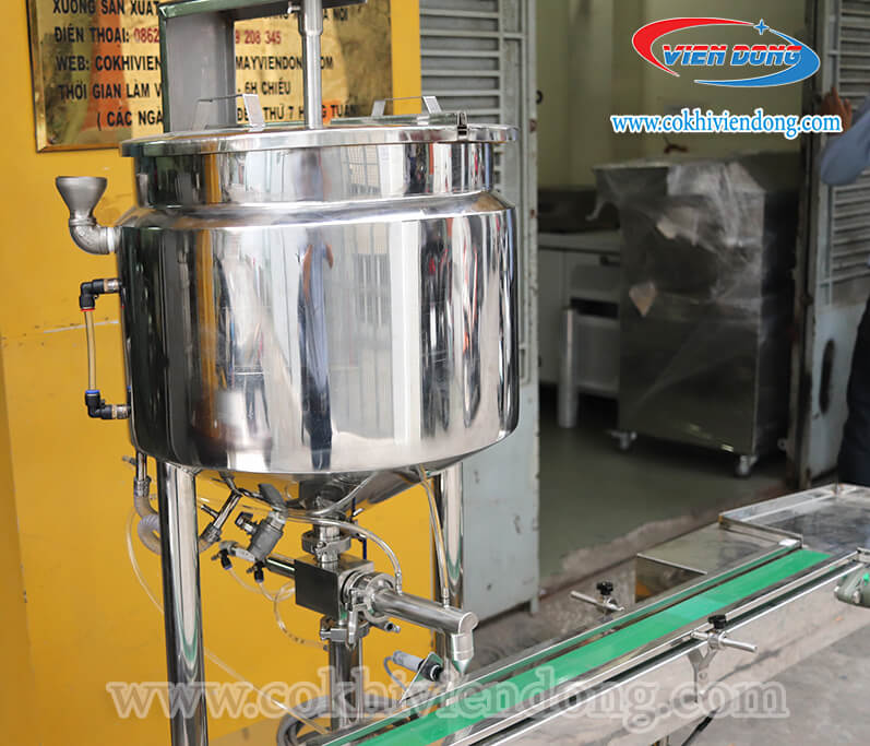 máy chiết rót 1 vòi có gia nhiệt+ nồi nấu cánh khuấy (1)