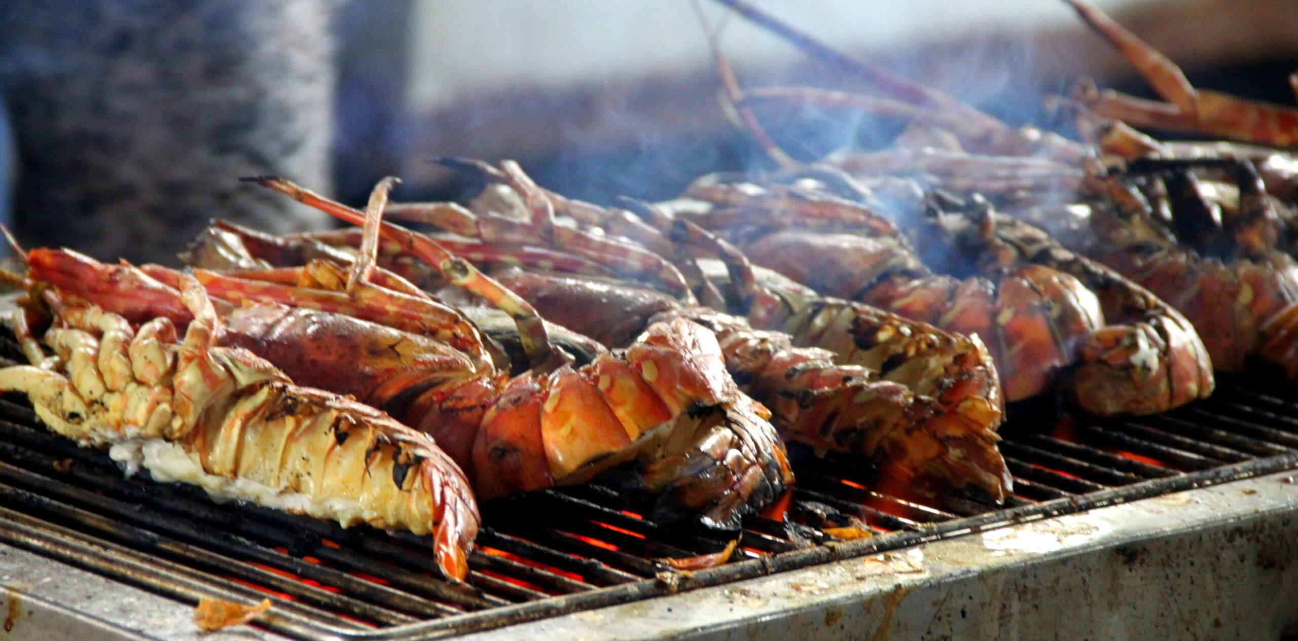 hải sản bằng bếp than