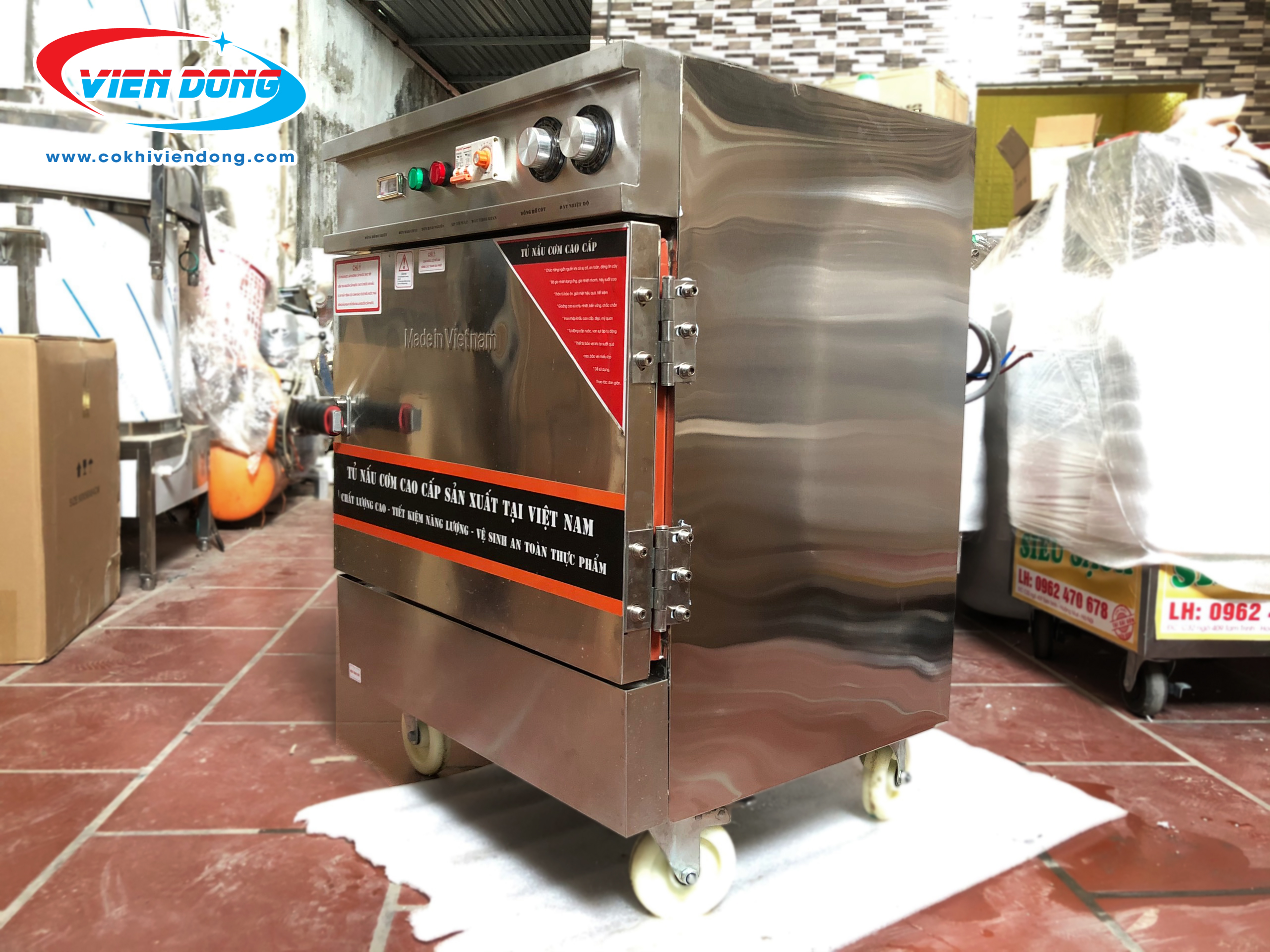 Tủ nấu cơm công nghiệp 4 khay dùng điện Việt Nam