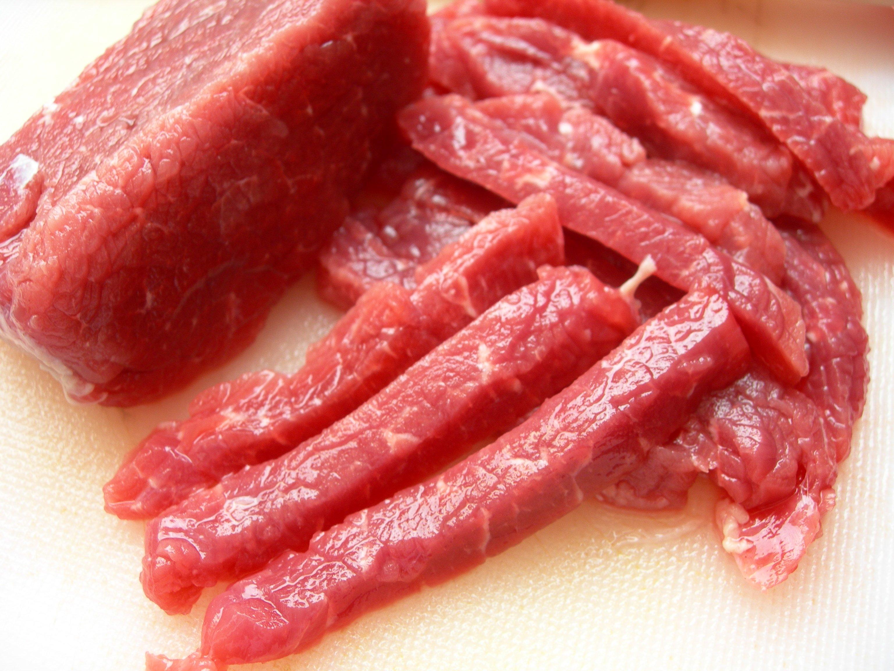 máy thái thịt thay được lưỡi dao