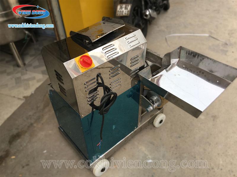 Máy tách xương cá làm chả cho năng suất 300-400Kg/h