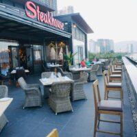 Cung cấp thiết bị bếp nhà hàng từ A-Z cho nhà hàng ven biển Steakhouse